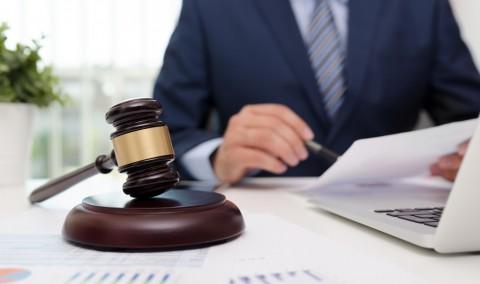 Esti in strainatate si ai nevoie de un avocat? Solicita consultanta telefonica de la un avocat online!