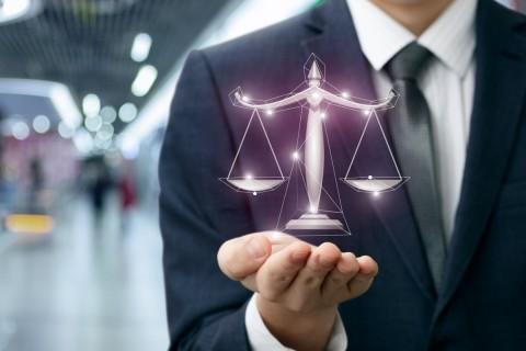 Stiai ca un avocat online te poate ajuta sa dezbati o mostenire?